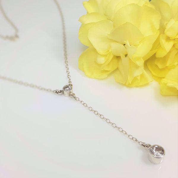 Picture of White topaz drop pendant